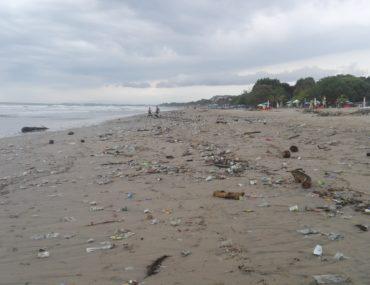 Legian beach trash seminyak