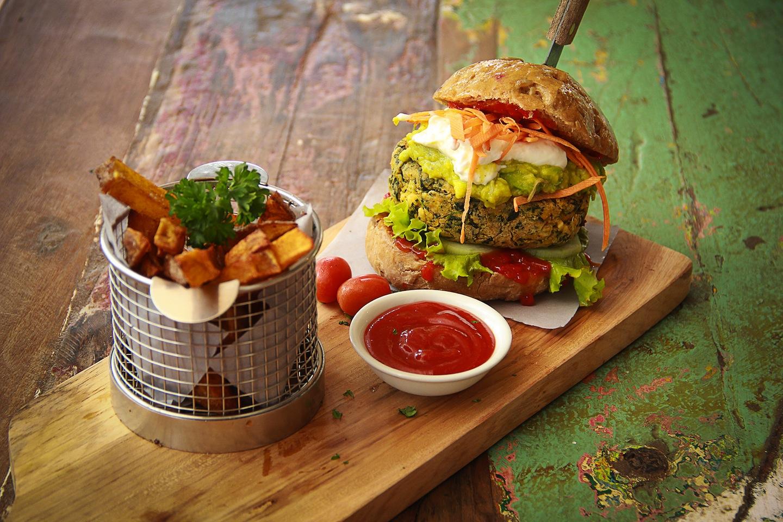 veggie burger bukit cafe
