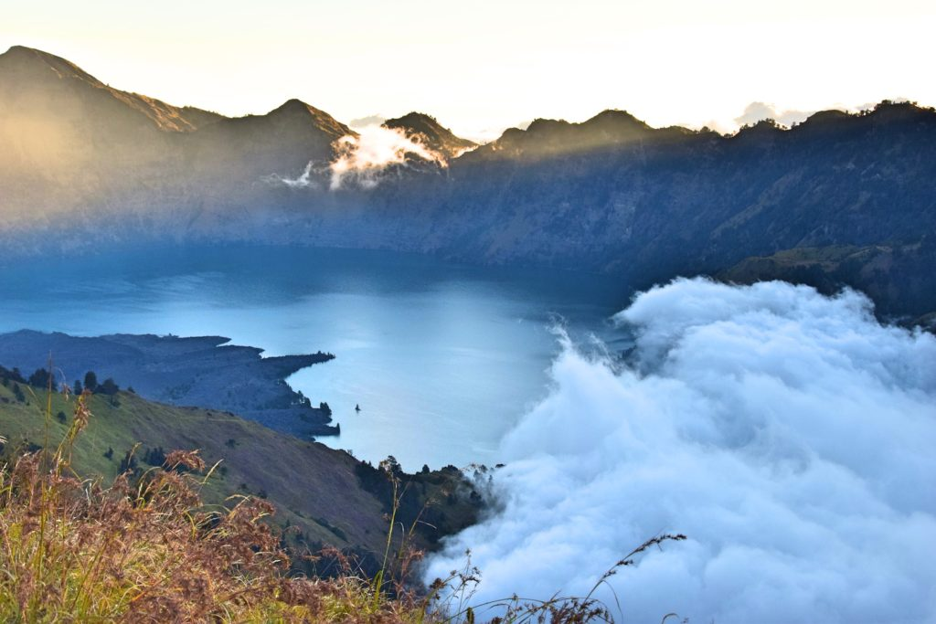 Mt Rinjani crater lake